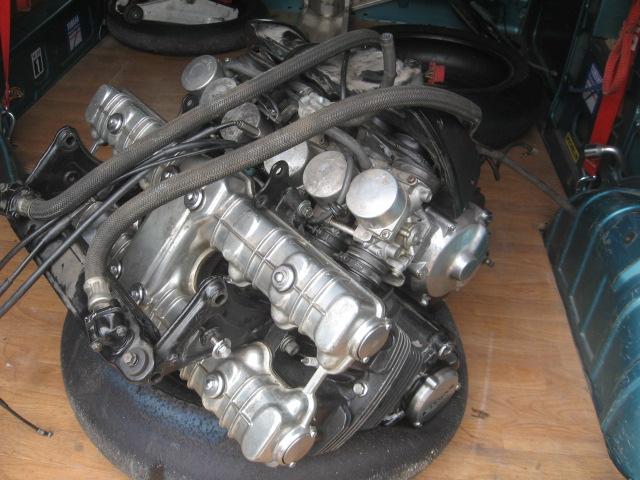 Nouveau Café-Racer à moteur 1000 CBX Img_4610