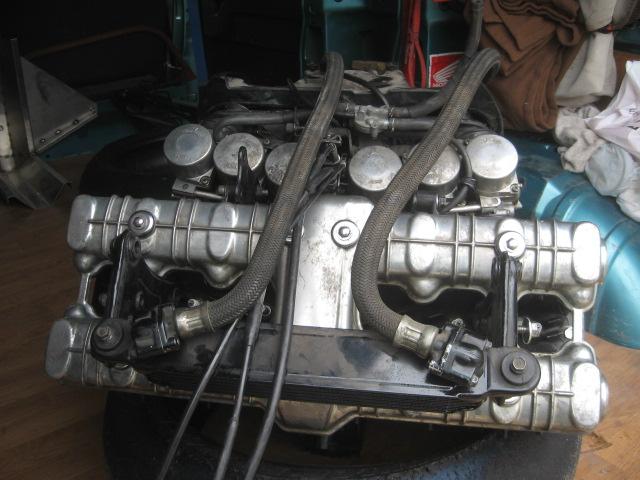Nouveau Café-Racer à moteur 1000 CBX Img_4611