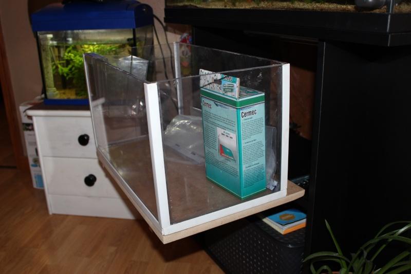 Gain de place pour aquarium Img_1411