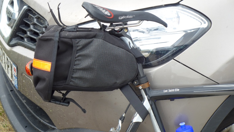 Porte bagage pour vélo pas prévu pour du tout ? P1030210