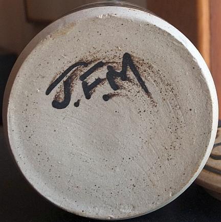 Lidded jar help please. - James Mounter, Callander? Pot111