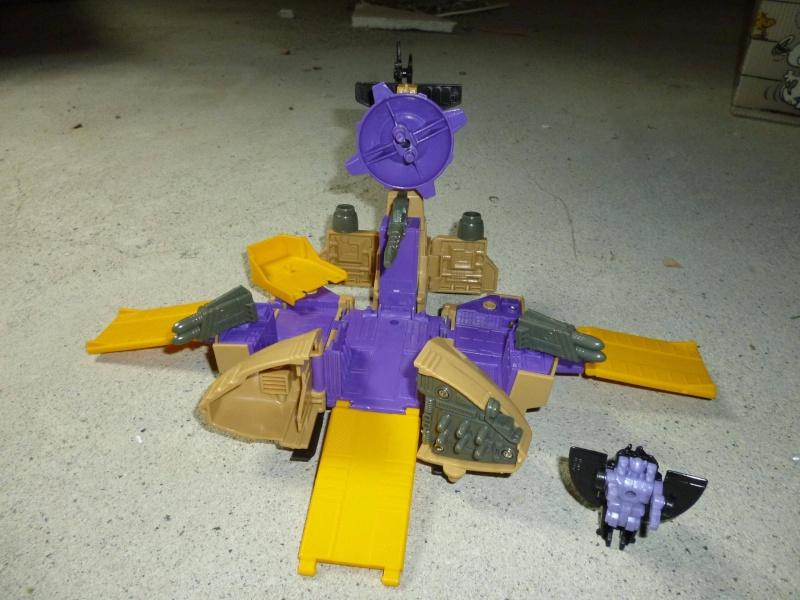 Micro Metamorphs Sky Fighter Robot_12