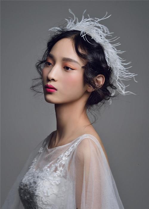 3 kiểu tóc cô dâu  trong ngày cưới 13991114