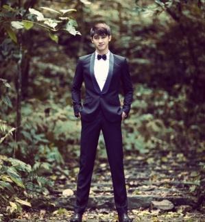 Chọn phục trang khi chú rể thấp  cô dâu cao Ao-ves10