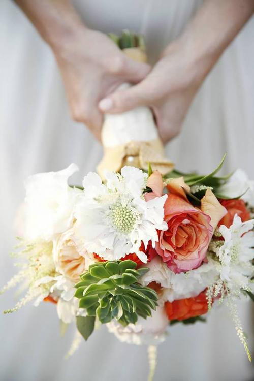 Hoa cưới nhiều màu cho ngày nắng Hoa-cu11