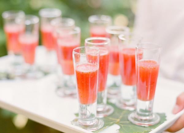 Kinh nghiệm tổ chức đám cưới mùa hè Kinh-n13