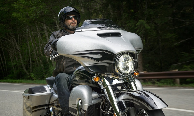 CVO Streetglide 2015 - Page 5 15-hd-10