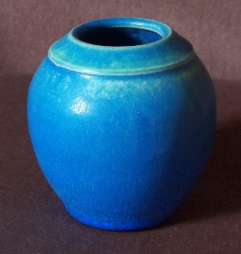 Stoneware pot EL 100_1673
