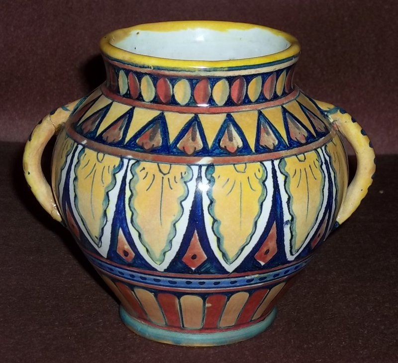 Pretty Italian pot 100_1780