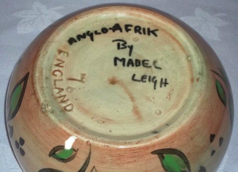 Mabel Leigh designs for Shorter & son. Leigh210