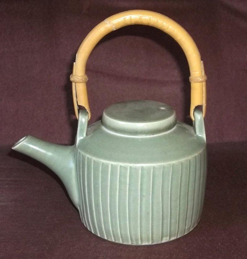 leach - Lowerdown Pottery Lower010