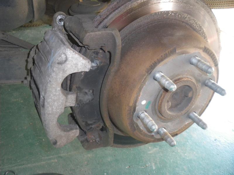 changement plaquettes de freins arrière  Imgp6012