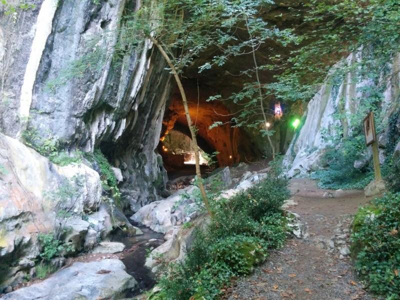 L'éso en région: visite des Grottes de Zugarramurdi 410