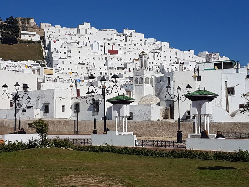 [Maroc Camp/Découverte] Parking réservé  aux  CC en centre ville de Tétouan 20200216
