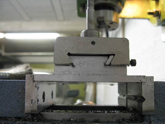 Modification chariot porte-outils. 15506110