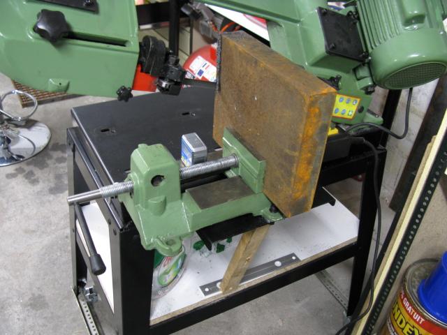 Augmenter la capacité d'une scie à ruban pour le métal. Scie0210