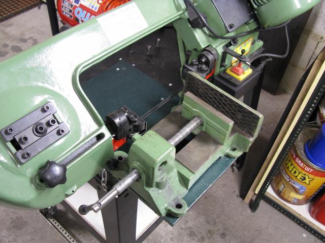 Augmenter la capacité d'une scie à ruban pour le métal. Scie0610