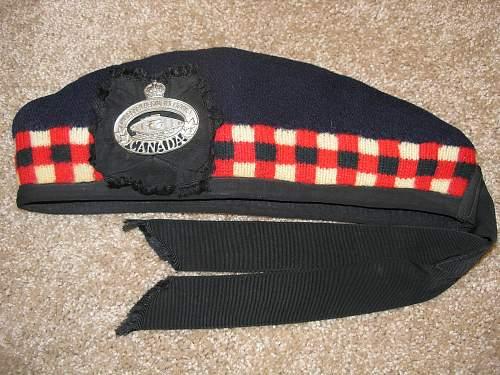 Essex Regiment (Tank) button P6070314