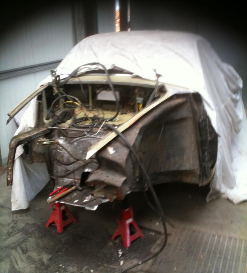 Ma Karmann en restauration apres accident frontale Karman27
