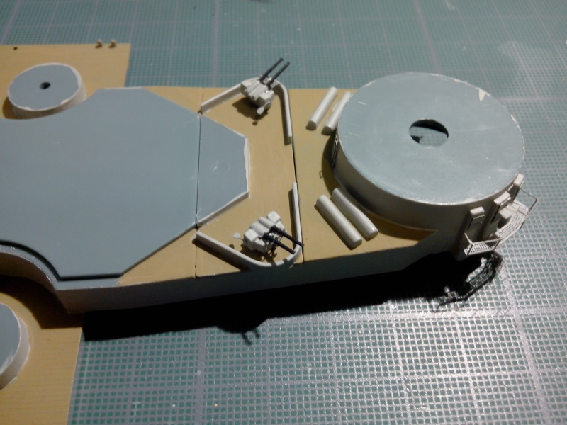 Bismarck par HellCat76 1/350 Academy, kit eduard Img_2035
