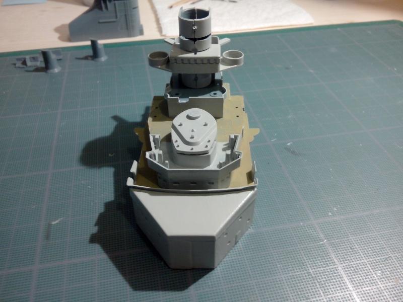 Bismarck par HellCat76 1/350 Academy, kit eduard - Page 3 Img_2067