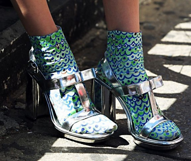The weirdness we love: Sandals with socks Sandal14
