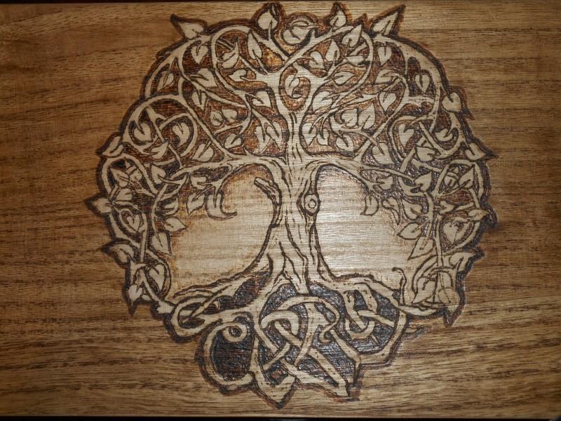boite a couture et aiguilles en bois Dscn0813