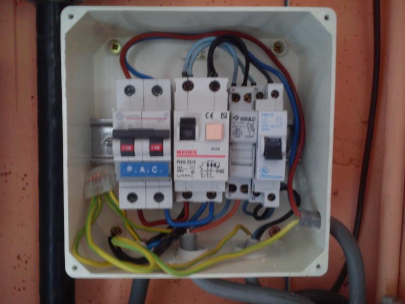Raccordement élect. PAC pour asservissement filtration Escatop (RÉSOLU) Dsc_0011