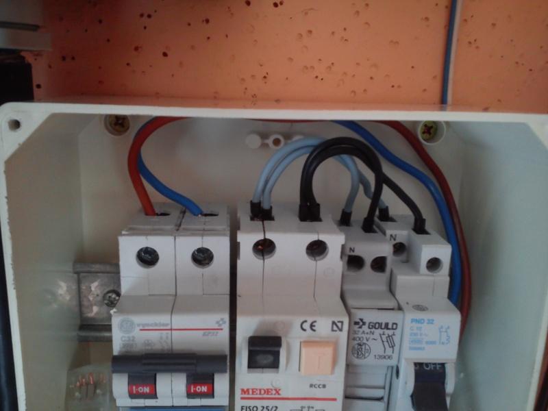Raccordement élect. PAC pour asservissement filtration Escatop (RÉSOLU) Dsc_0014