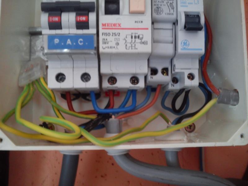 Raccordement élect. PAC pour asservissement filtration Escatop (RÉSOLU) Dsc_0015