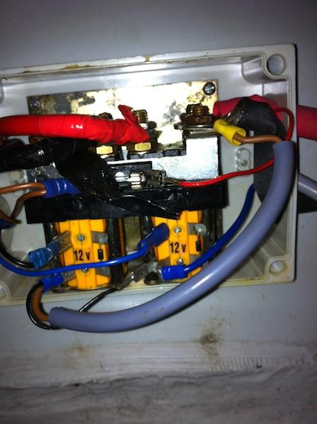 GUINDEAU - Télécommande sans fil du guindeau - Page 4 Relai14