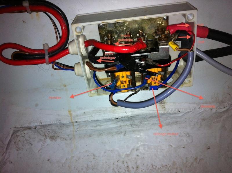 Télécommande sans fil du guindeau - Page 5 Relai210