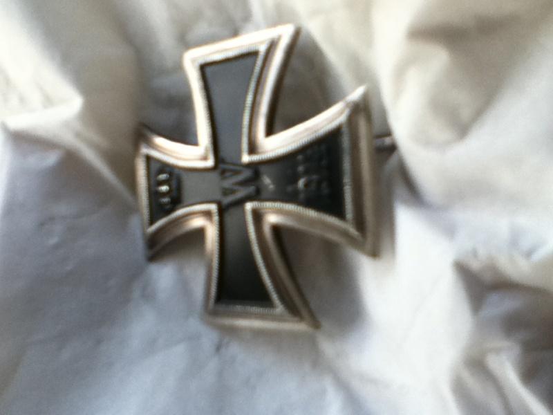 Croix de fer 1er classe 1914 et Croix de fer 2ème classe 1939 Img_0311