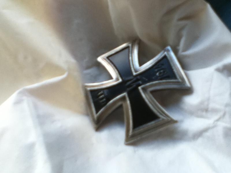 Croix de fer 1er classe 1914 et Croix de fer 2ème classe 1939 Img_0315