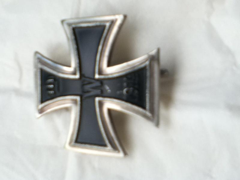 Croix de fer 1er classe 1914 et Croix de fer 2ème classe 1939 Img_0316