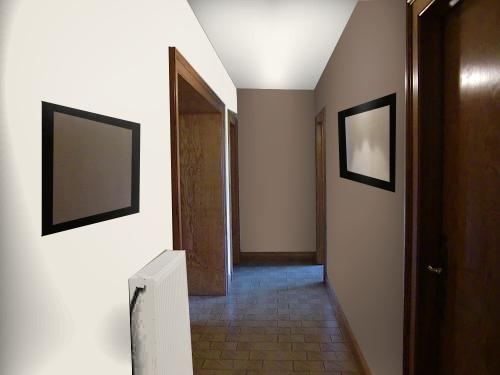 Peinture Dun Couloir étroit Et Assez Long