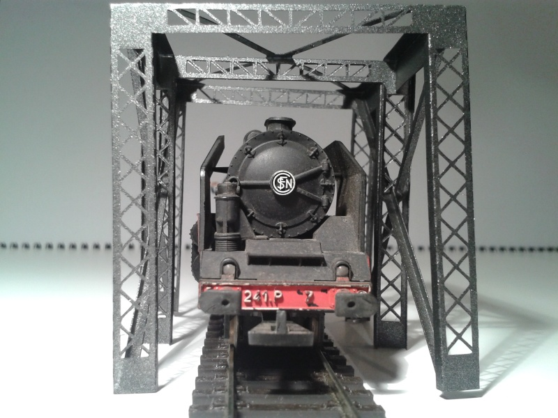 Pont métallique type cage 2014-032