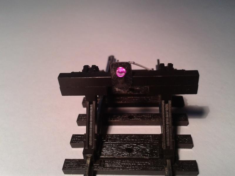 Feu de heurtoir équipé de led rouge ou violette 2014-036