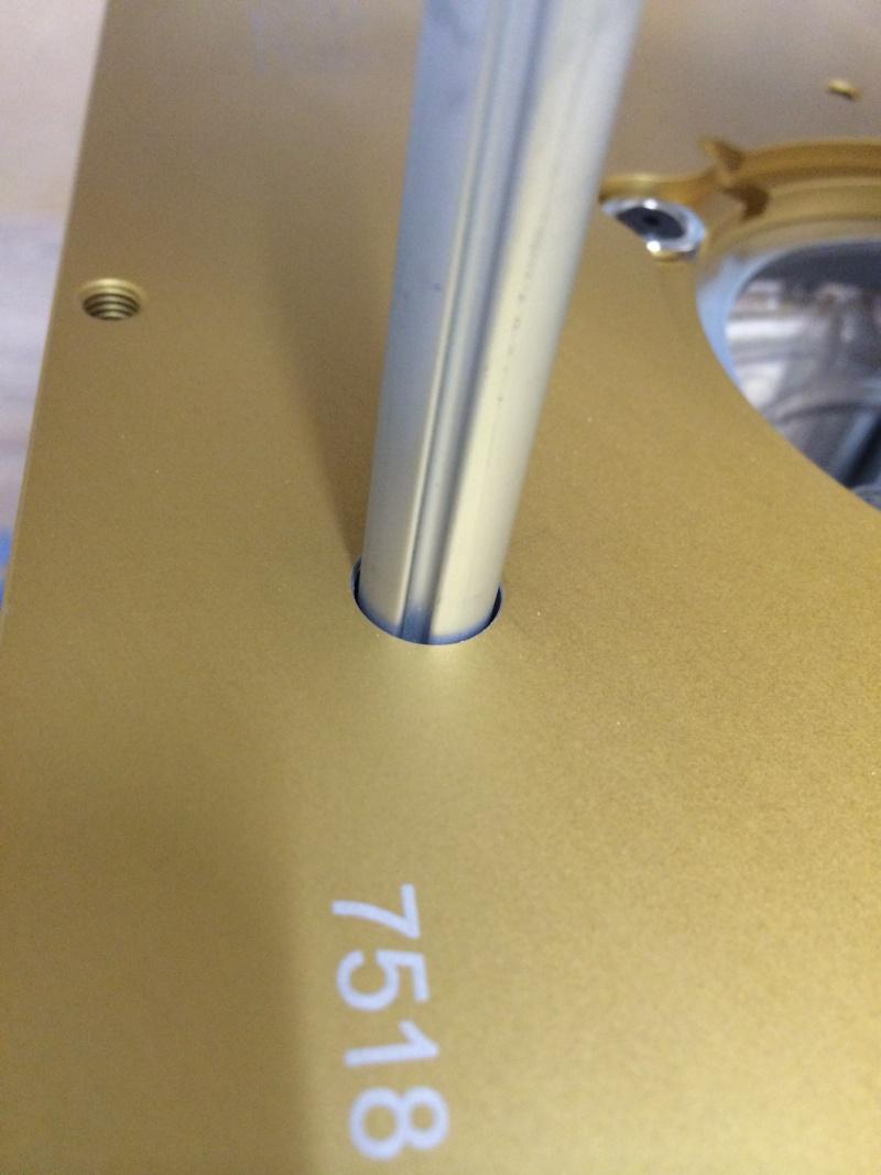 Une table polyvalente : défonceuse + Scie sous table Img_3315