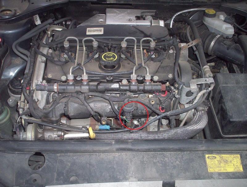 [ Ford Mondeo 2.0 TDCI 115 an 2005 ] Ou se trouve le capteur de cliquetis (ou cognement) 100-1010