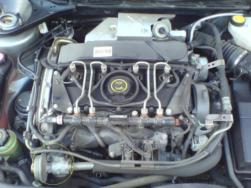 [ Ford Mondeo 2.0 TDCI 115 an 2005 ] Ou se trouve le capteur de cliquetis (ou cognement) Dsc00110