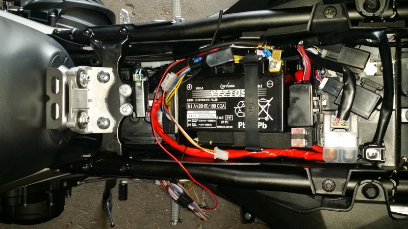 batterie moto montage