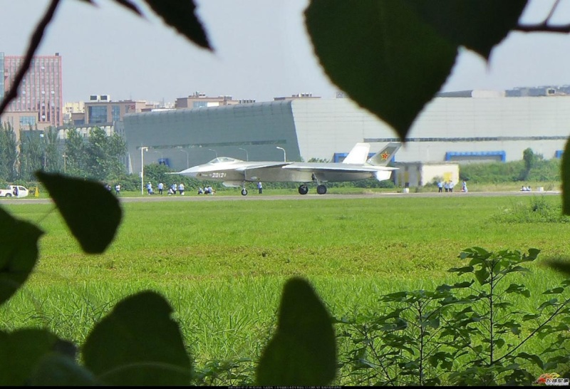 Chinese Chengdu J-20 stealth fighter - Page 7 J_20_210