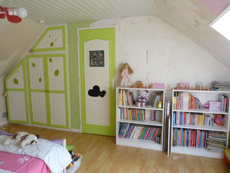 Décoration d'une chambre pour filles P1120211