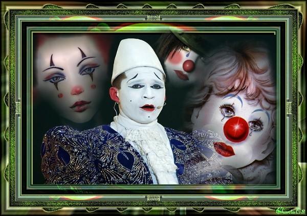 Clowns  34145010