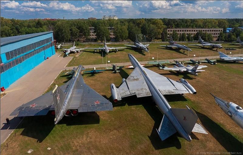 "Sukhoi T4 ou Sukhoi ""Sotka"" 11352510"