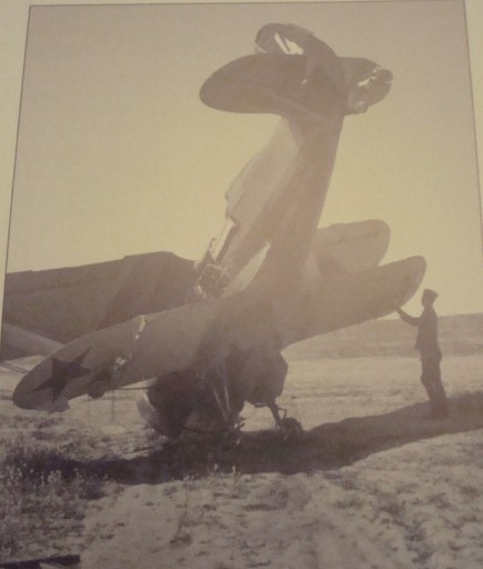 Polikarpov I-153.... & KFZ-2 Dsc01710