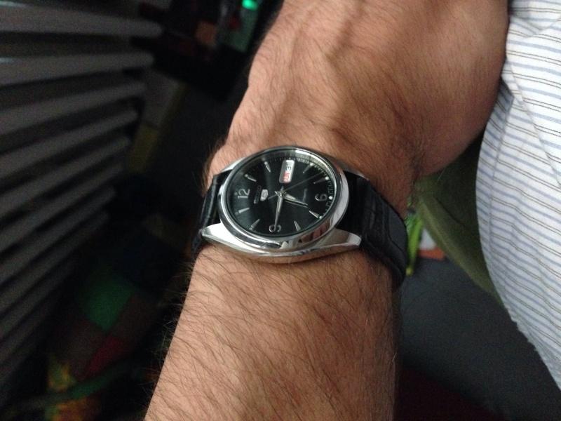 Recherche petite montre habillée Image53