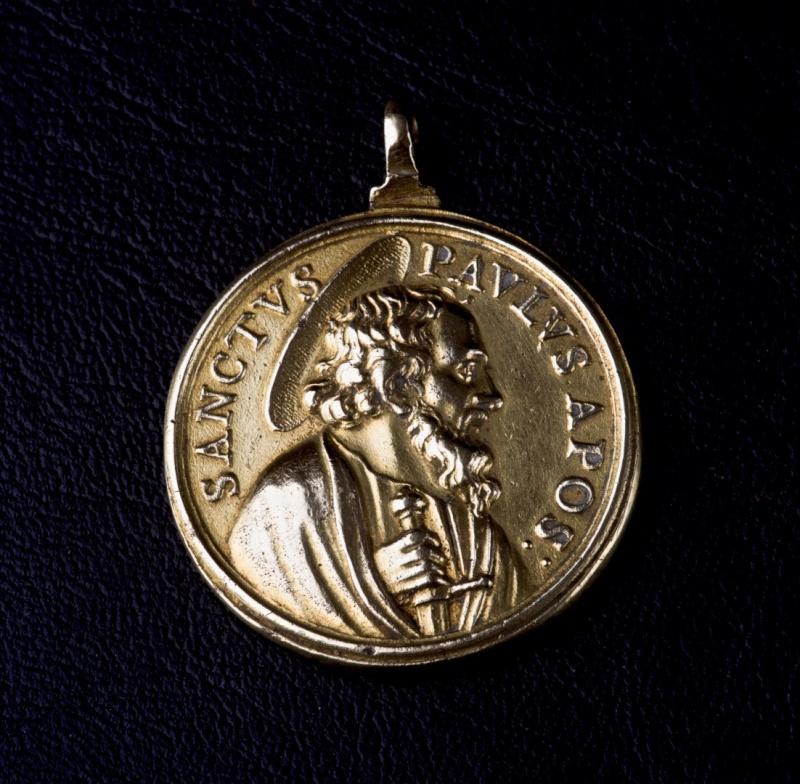 ** RARE ** Magnifique médaille fin XVIIème - en Vermeil - St-Pierre/St-Paul Photog10