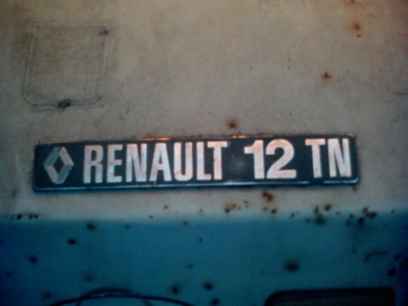 R12 TN en restauration Renaul11